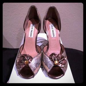 Taintedd Bronze Peep-Toe Heel